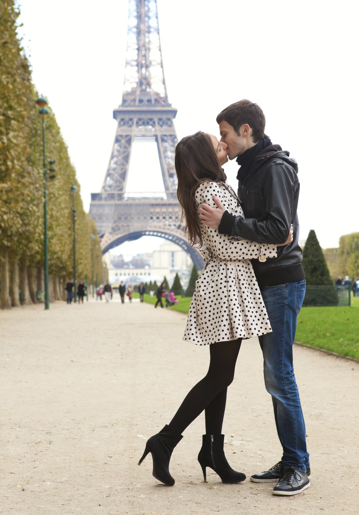 Dating customs in paris