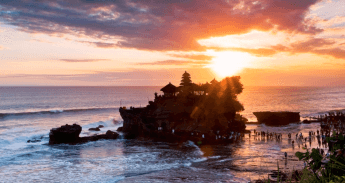 Things to do in Bali: See Tanah Lot Temple
