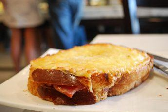Croque Monsieur what to eat in paris during lunch