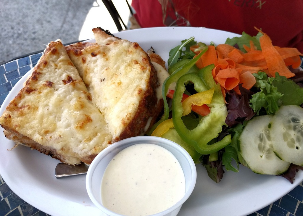 croque monsieur what to eat in paris