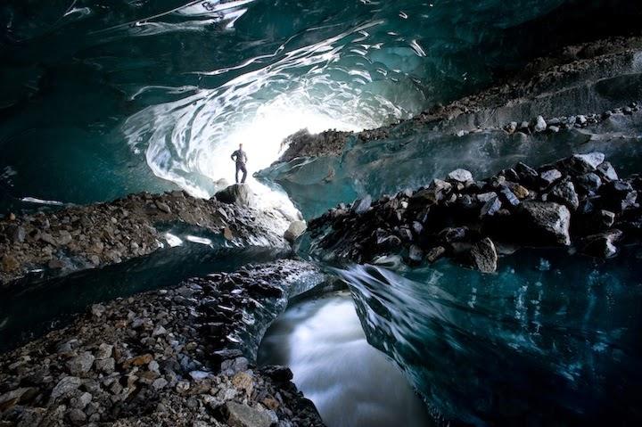 Ice Cave Tour in Jökulsárlón Glacier Lagoon