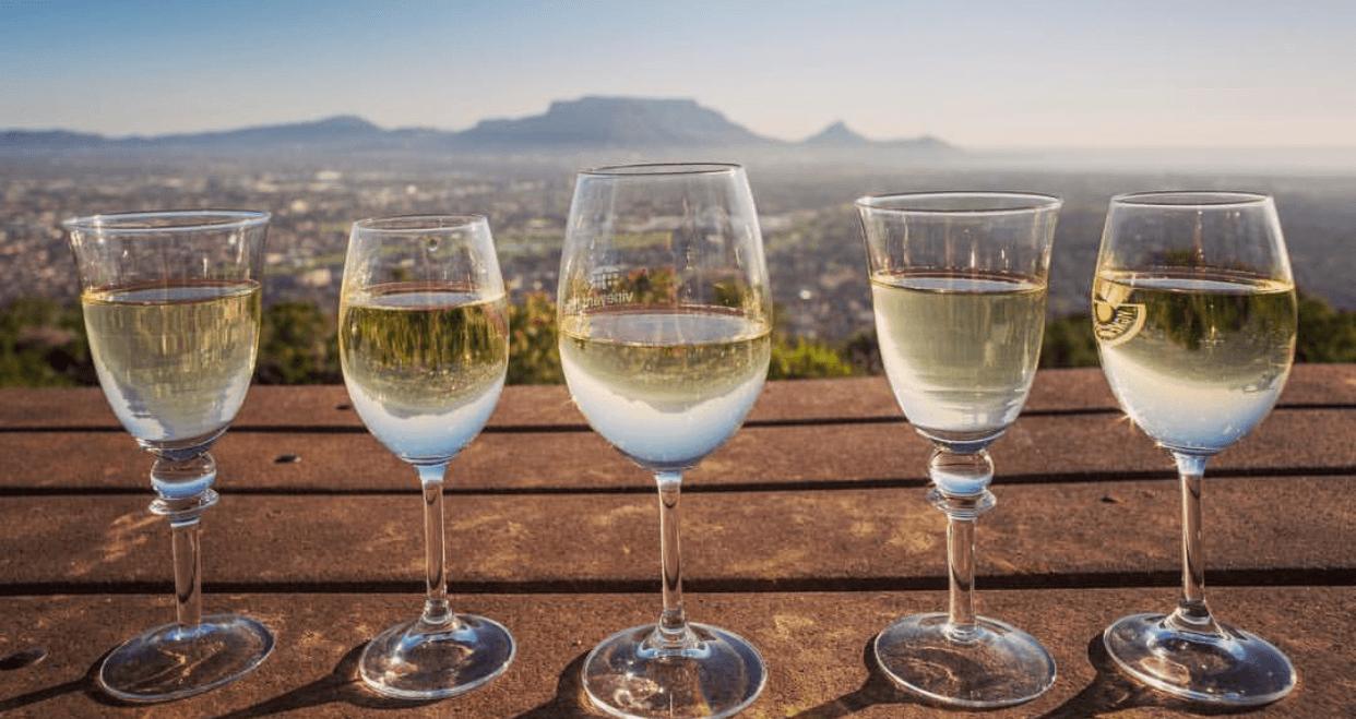 wine etiquette
